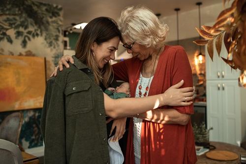 祖母、母、娘と命は繋がれていく。