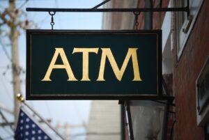 ATMの看板。