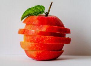 赤いリンゴ。