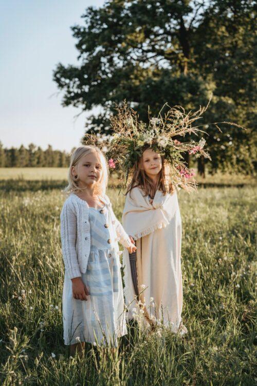 二人の少女。