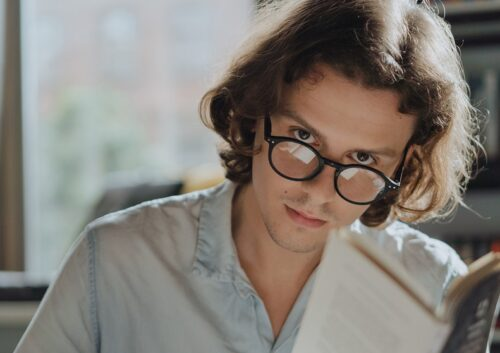 マイケル・サットンのイメージの青年。